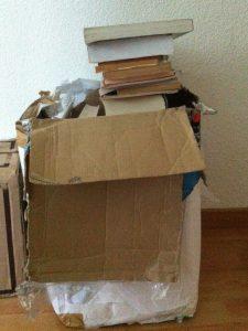 libros guardados en casa